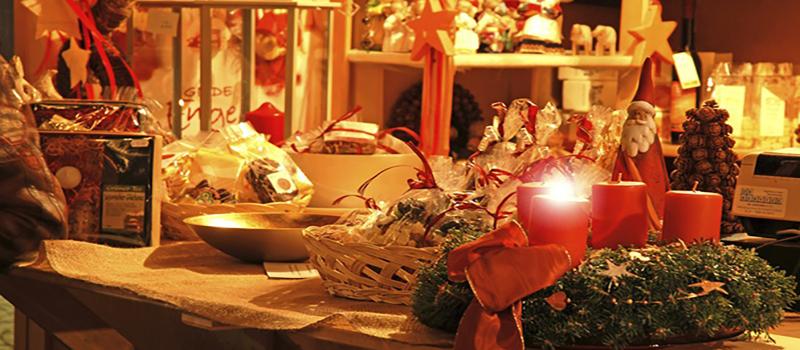 christmas-market-shopping