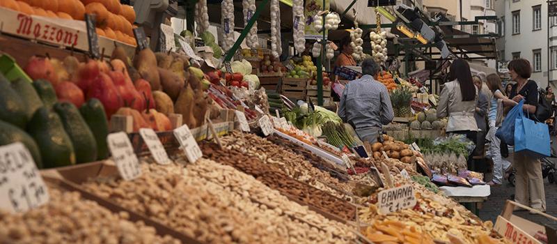 city-tour-market