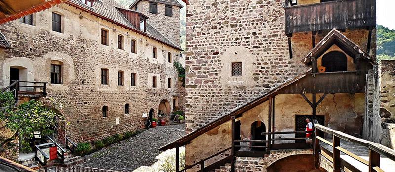 roncolo-castle-interior
