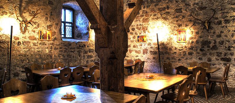 roncolo-castle-tavern