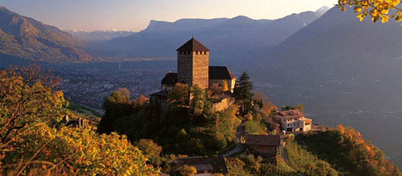 tirolo-castle-panoramicview