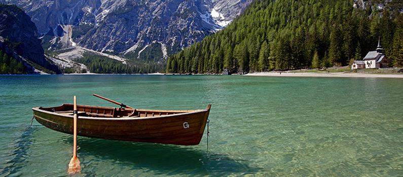 braies-lake-boat