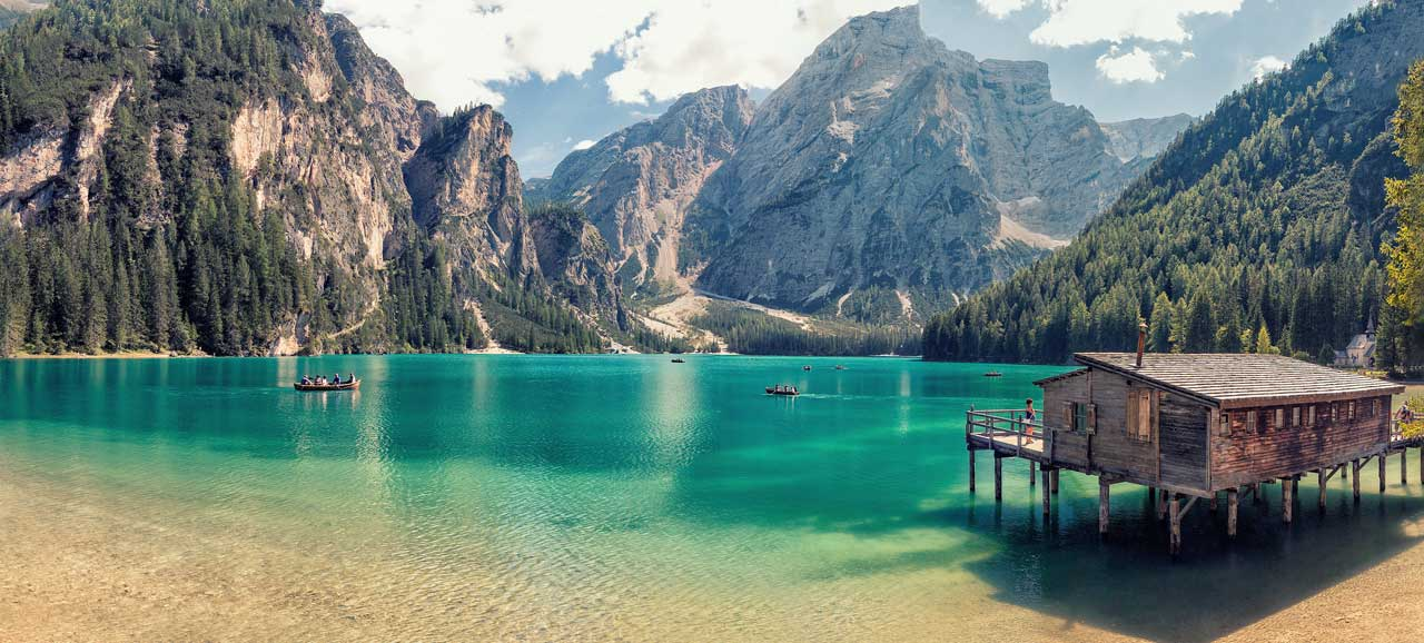 braies-lake-shore