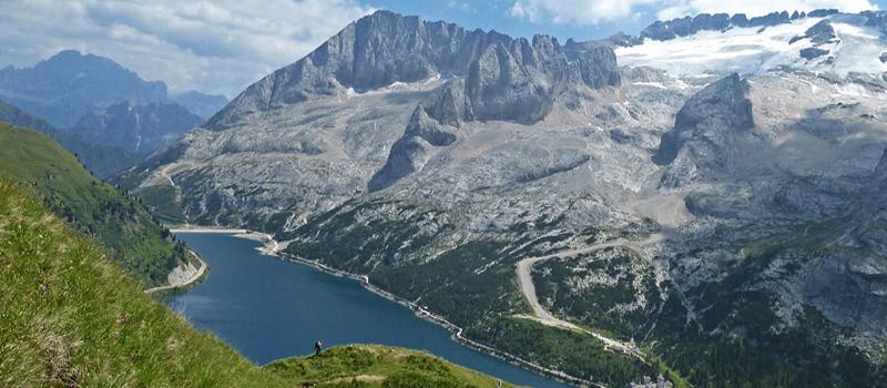 trekking-marmolada-lake