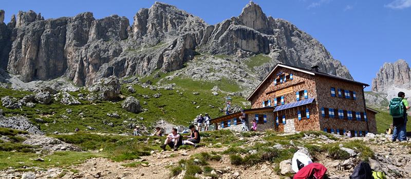 trekking-rosengarten-refuge