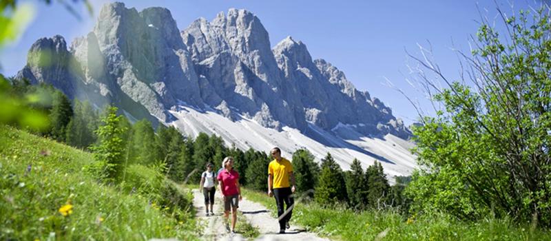 walking-funes-valley