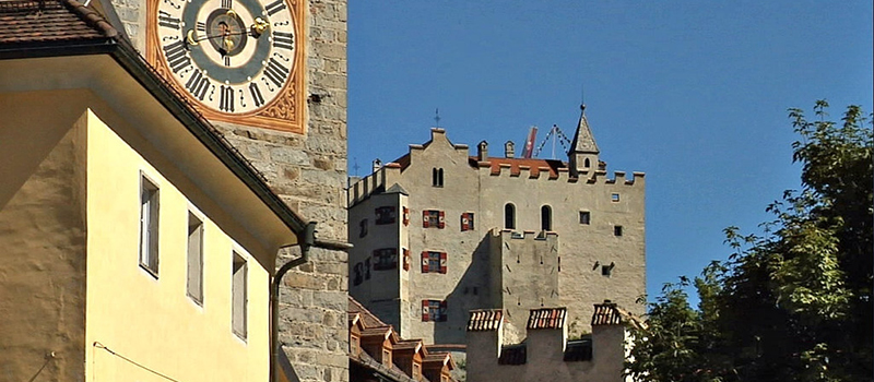 brunico-city-tour-castle