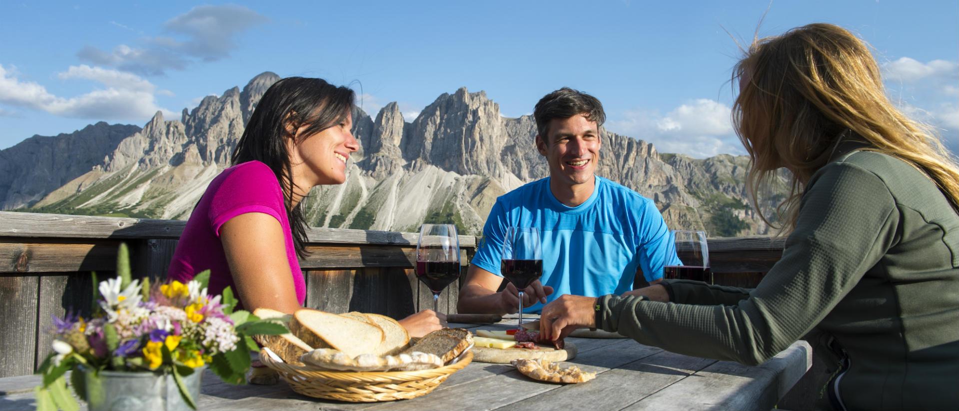 gourmet-trips-hut