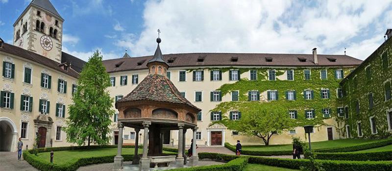 novacella-abbey-garden