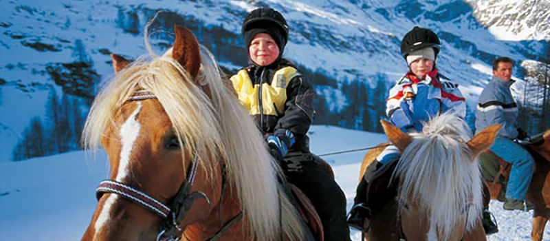 horse-riding-kids