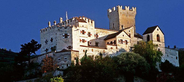venosta-valley-coira-castle