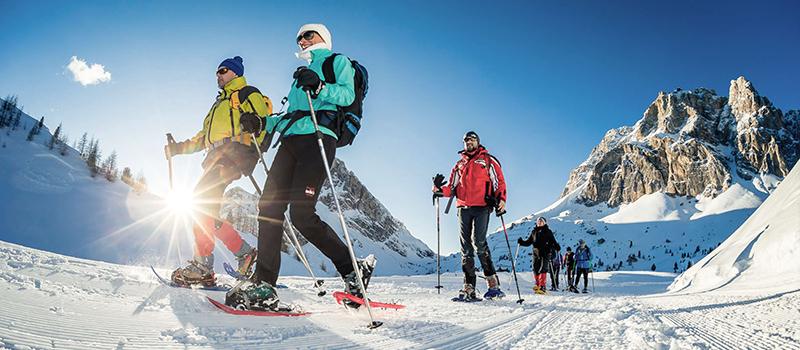 snowshoing-funes-valley